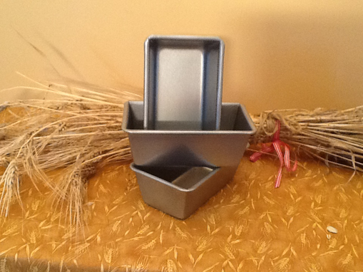 Picture of Mini Bread Pan ~ Gift Size Loaf